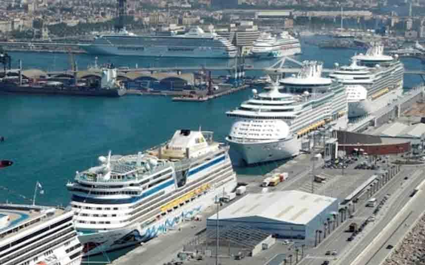 El puerto de Barcelona aprueba el plan de electrificación en siete años