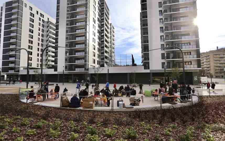Sants-Montjuïc gana más espacio peatonal con la remodelación de dos calles