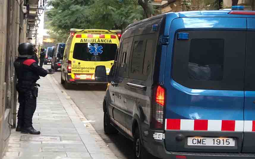 Cinco detenidos, dos por agresión sexual, en una operación antidroga en Barcelona