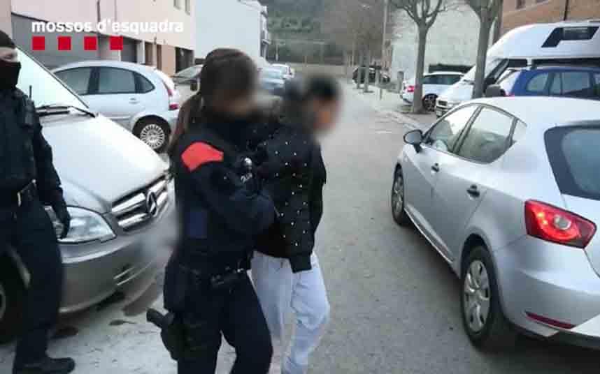 Detenidas ocho personas por robos violentos en tiendas de telefonía