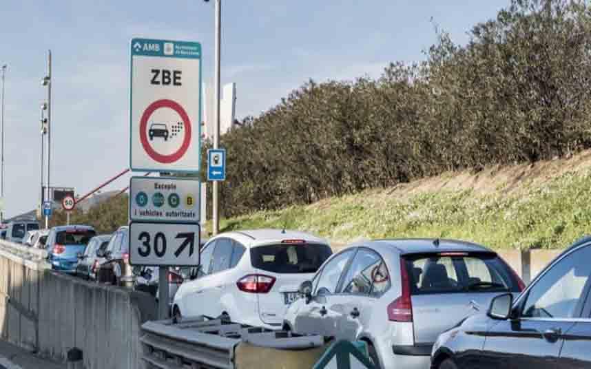 El 50% de los vehículos sin etiqueta ya no circulan por Barcelona