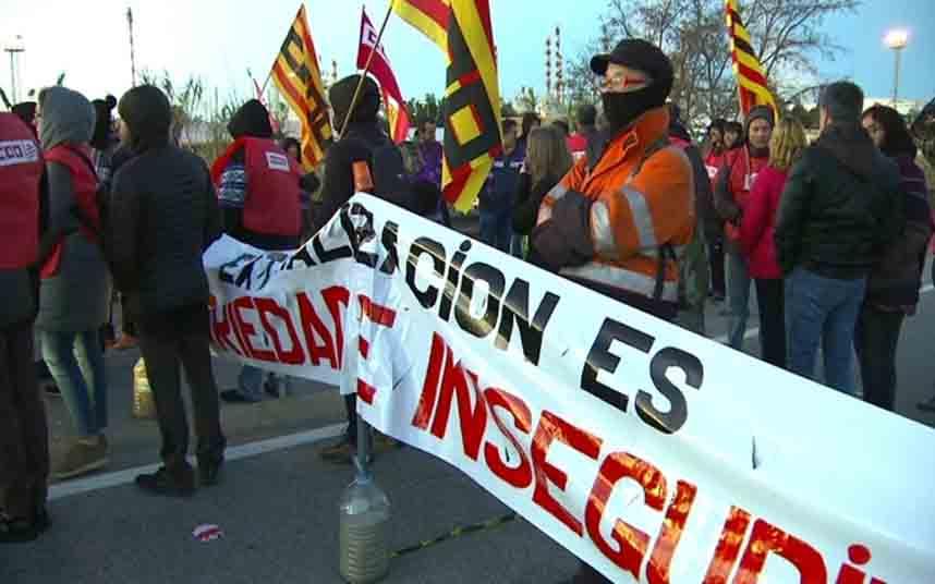 Huelga en la petroquímica de Tarragona un mes después de la explosión