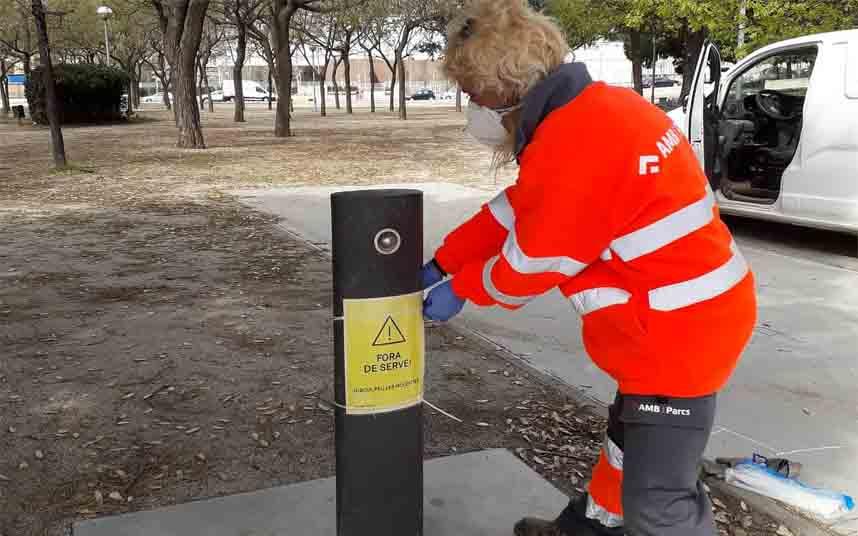 Las fuentes de los parques de Barcelona, fuera de servicio para evitar riesgos