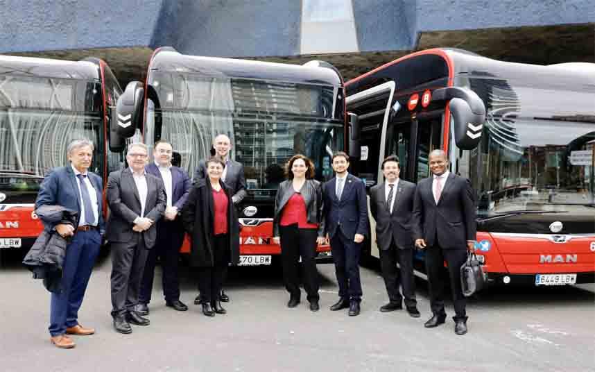 Presentación de 105 nuevos autobuses de la flota de TMB