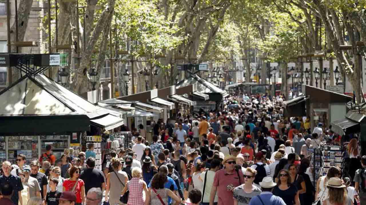Barcelona destina el impuesto turístico a proyectos que impulsen la reactivación económica