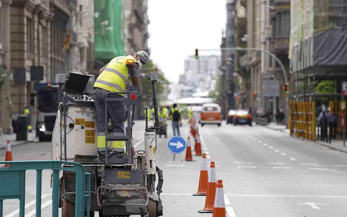 Empiezan los trabajos para ampliar las aceras de la Via Laietana