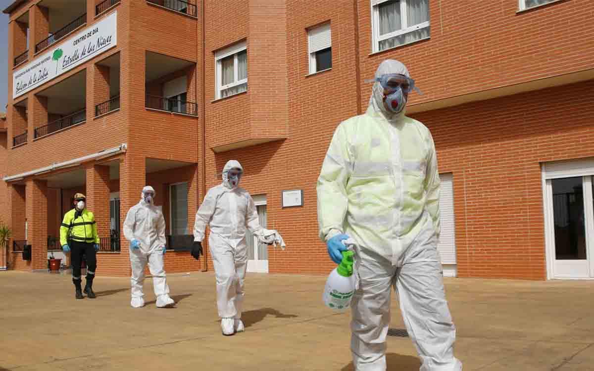 La fiscalía tiene 32 casos penales por la gestión del coronavirus en residencias