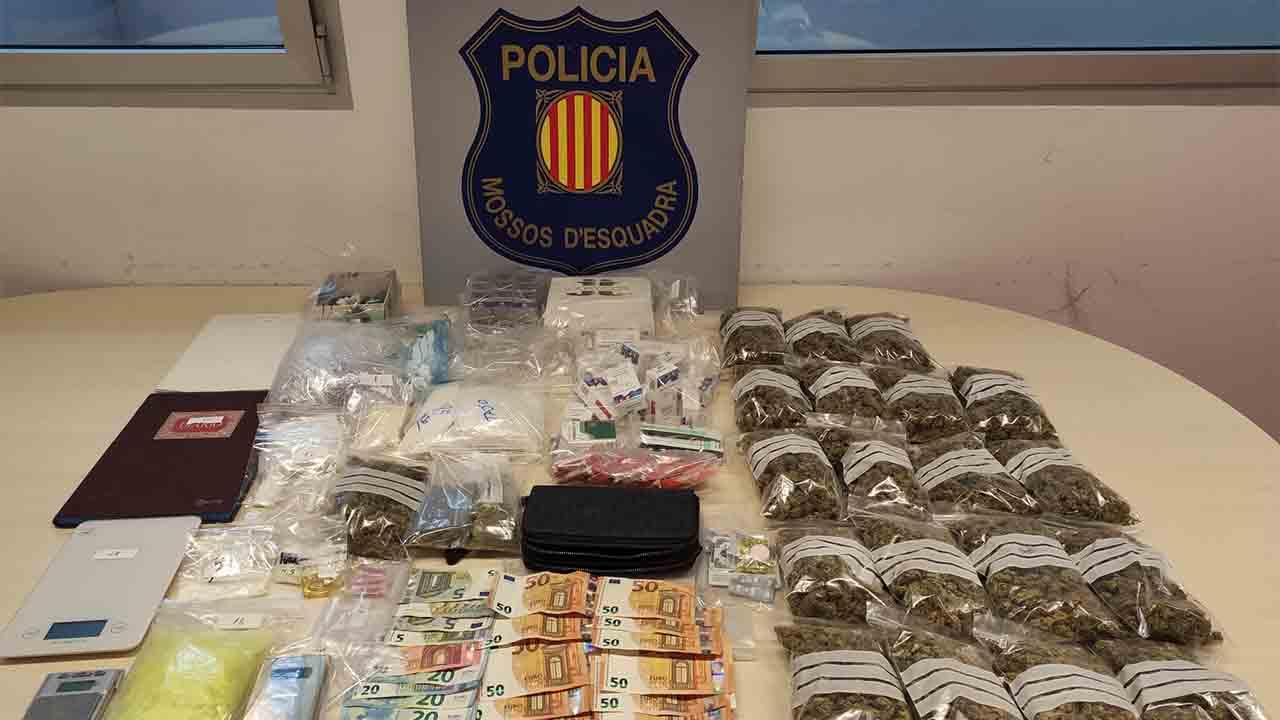 La policía detiene a un hombre con todo tipo de drogas por valor de 13.000 euros