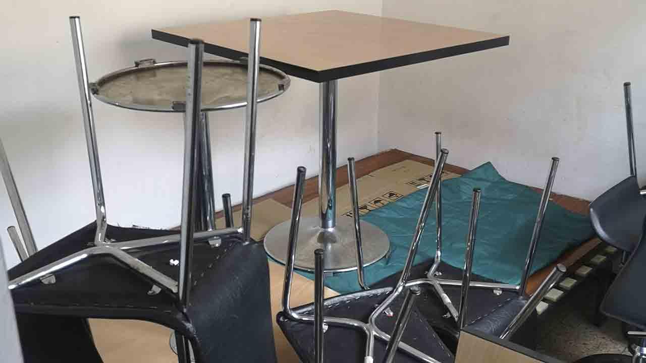 Localizan un bar clandestino en el interior de un piso de L'Hospitalet de Llobregat