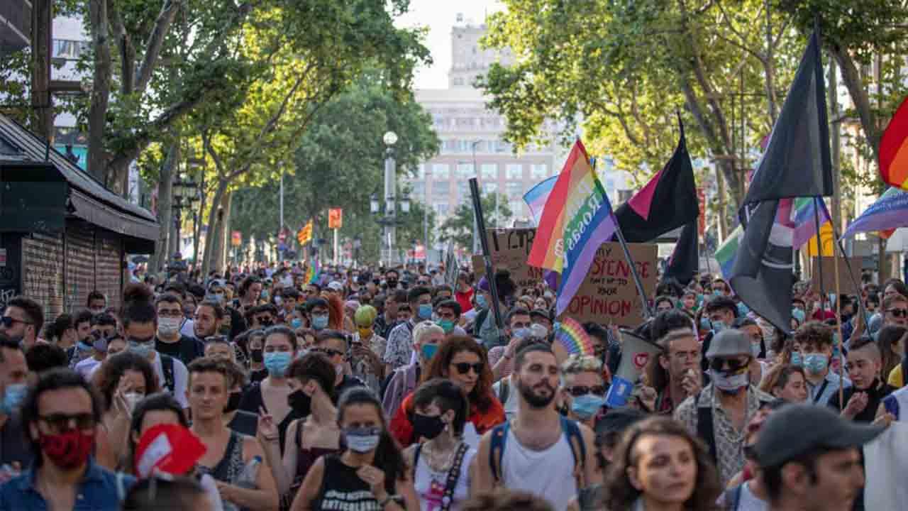 Manifestación del colectivo LGTB en Barcelona para reclamar sus derechos