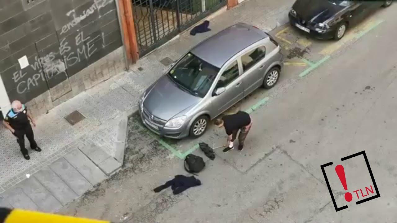 Un hombre ataca a otro con un cuchillo en la cola de un comedor social en Poble Sec
