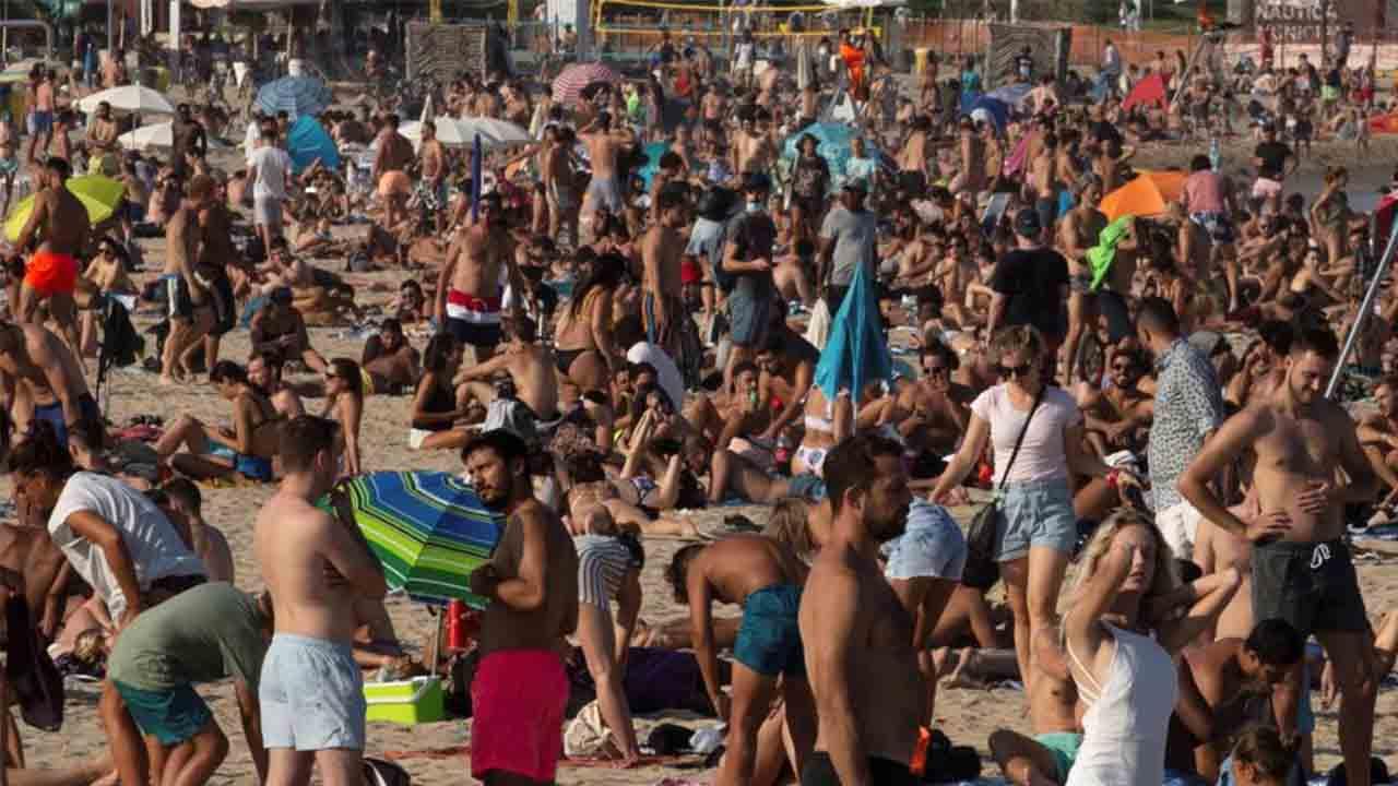 Comienzan en Barcelona las restricciones para frenar la