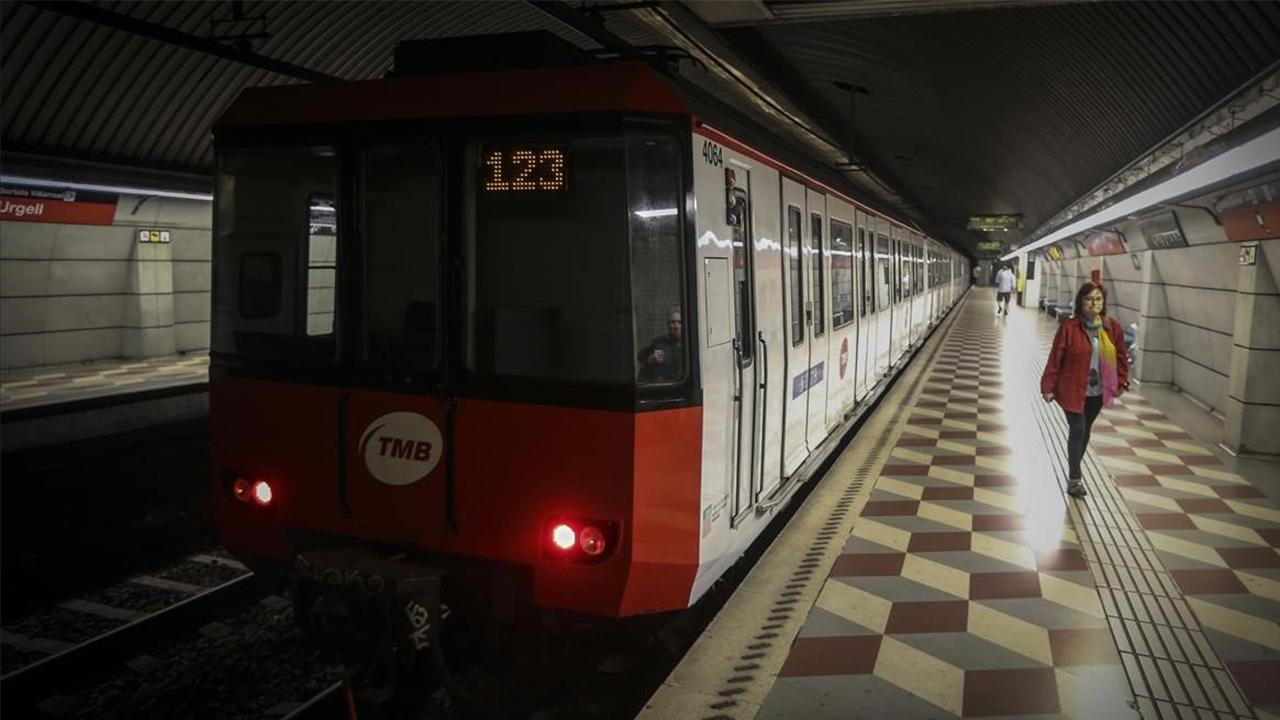 El metro vuelve a funcionar hasta las dos de la madrugada los viernes y sábados