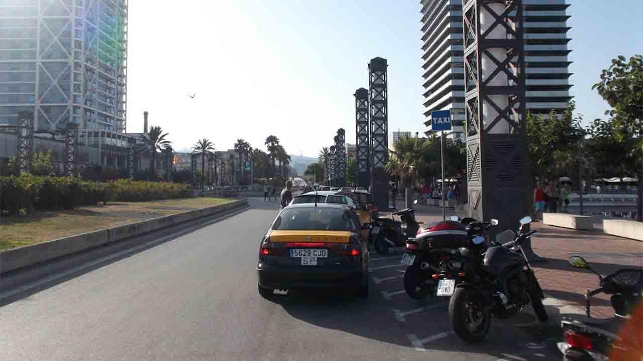 El sector del taxi del AMB, pide una reducción de la flota del 50%