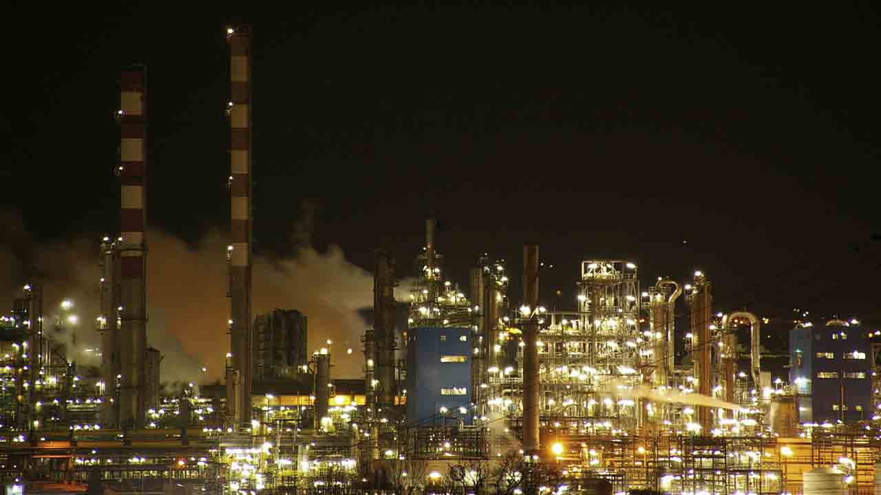 Muere un hombre mientras trabajaba en el complejo petroquímico de Tarragona