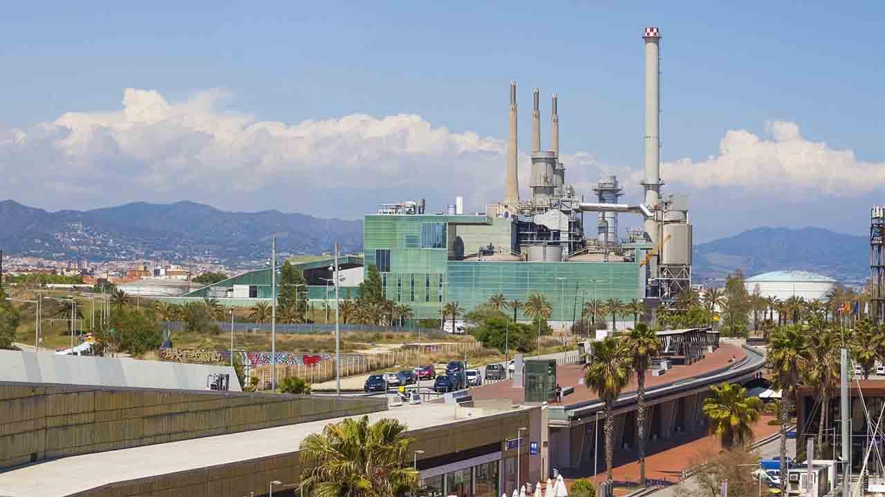 La planta de valorización energética de Sant Adrià volverá a funcionar
