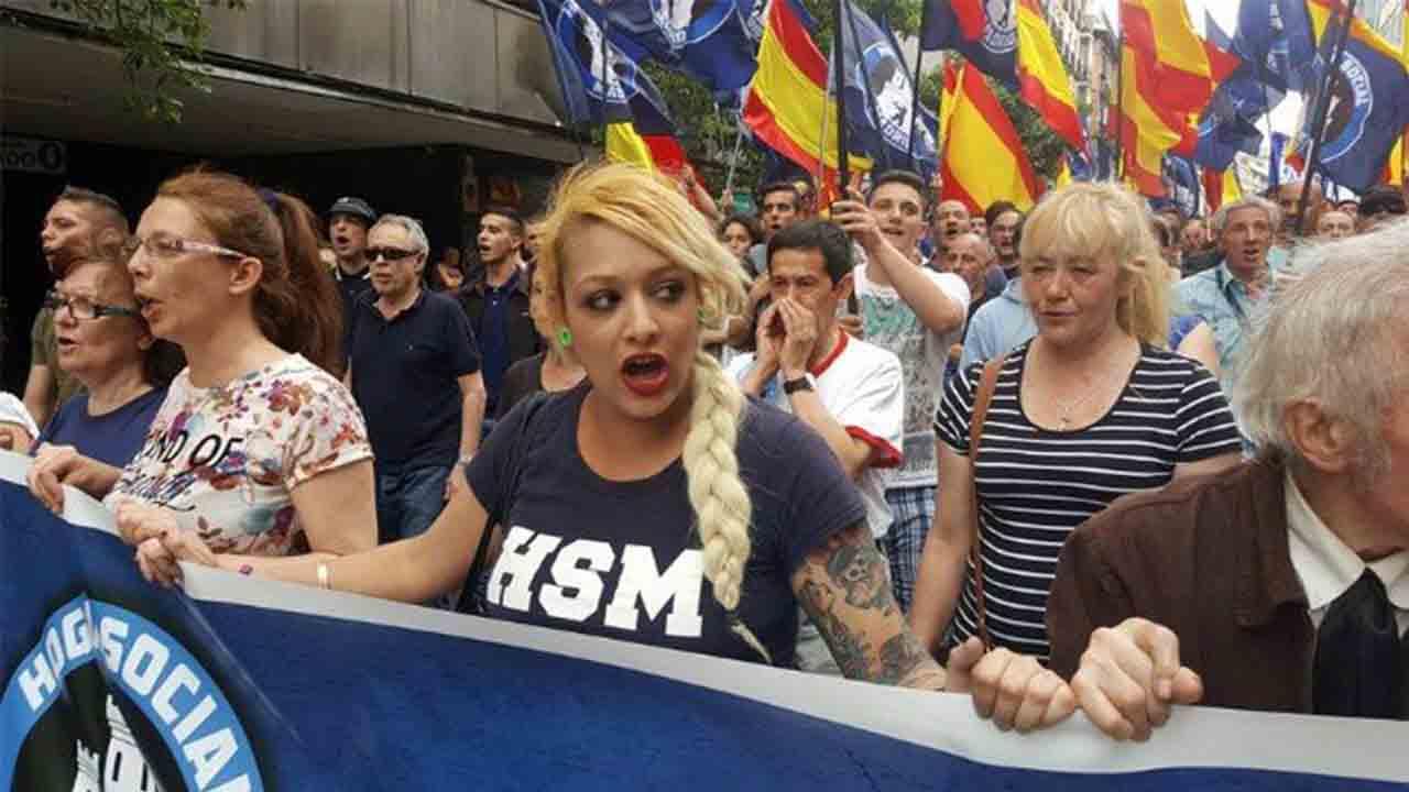 Querella por ciberacoso contra un taxista vinculado a Hogar Social Madrid