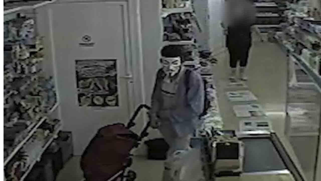 Detenido el autor de un atraco en Martorell con una máscara y pistola simulada