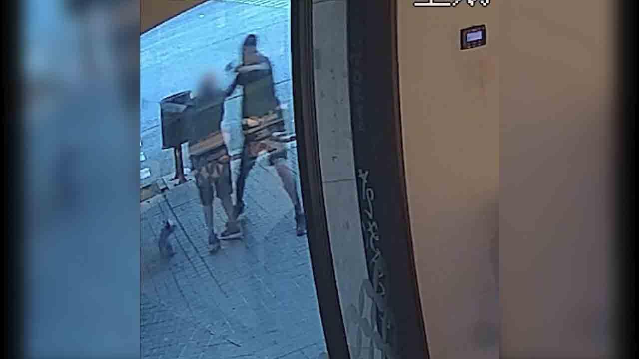 Detenido un hombre en Barcelona por robar joyas violentamente a ancianos