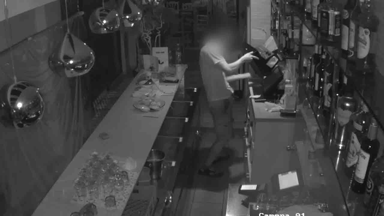 Detenido un hombre que robó en siete comercios del Eixample en menos de un mes