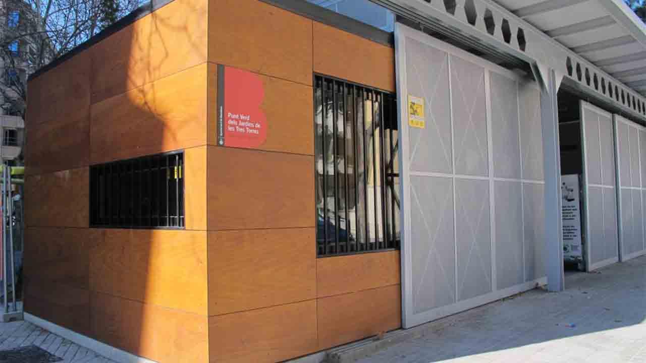 Entra en funcionamiento un nuevo punto verde en el barrio de Las Tres Torres