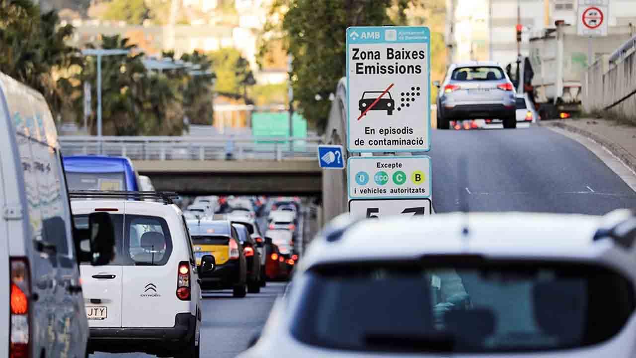Entran en vigor las multas de la Zona de Bajas Emisiones de Barcelona
