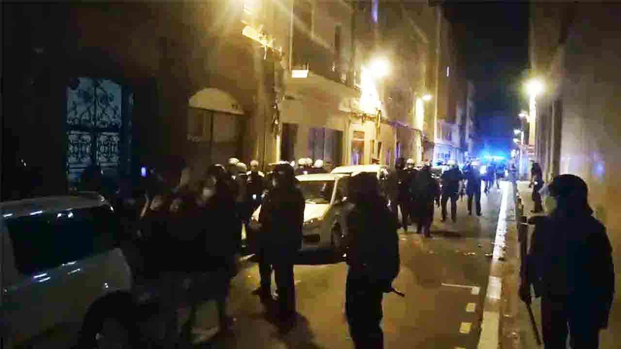 Los Mossos impiden el intento de ocupación de un piso en Sant Gervasi