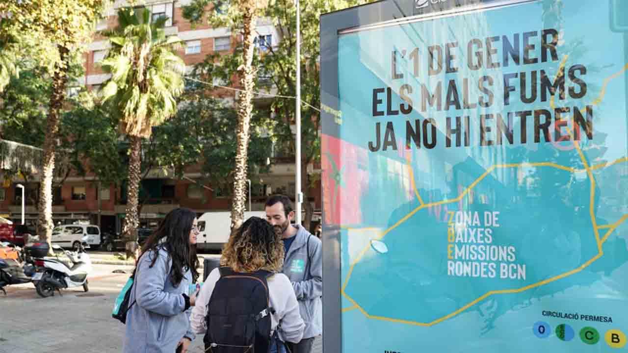 Barcelona se plantea vetar la entrada de coches con etiqueta B a la ZBE