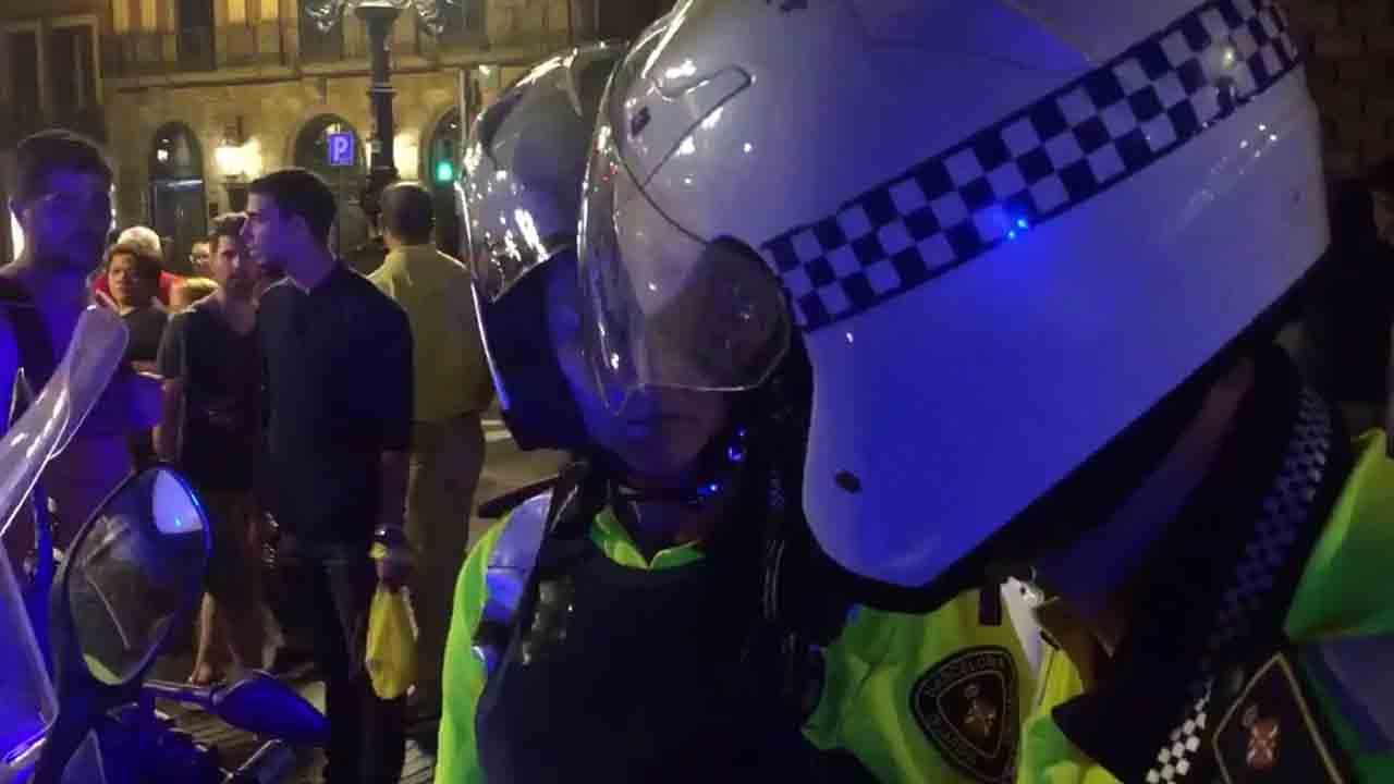 Desalojadas 100 personas de una discoteca en Ciutat Vella