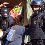 Los Mossos desalojan la Casa Buenos Aires de Vallvidrera con cargas policiales