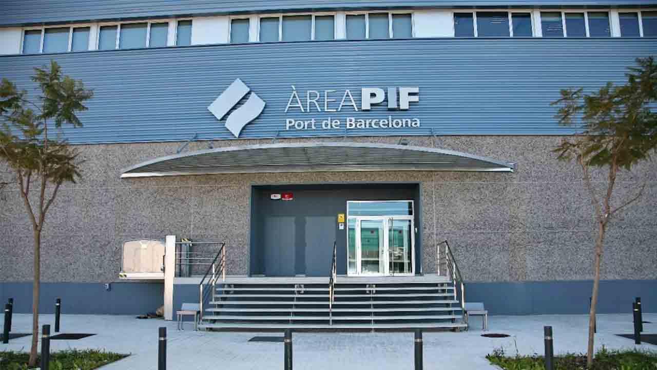 El puerto de Barcelona refuerza los equipos de refrigeración del PIF