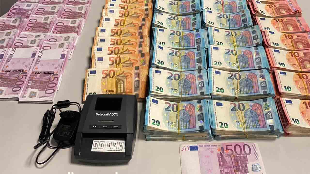 Los Mossos abortan una estafa de 150.000 euros por el método del Rip Deal