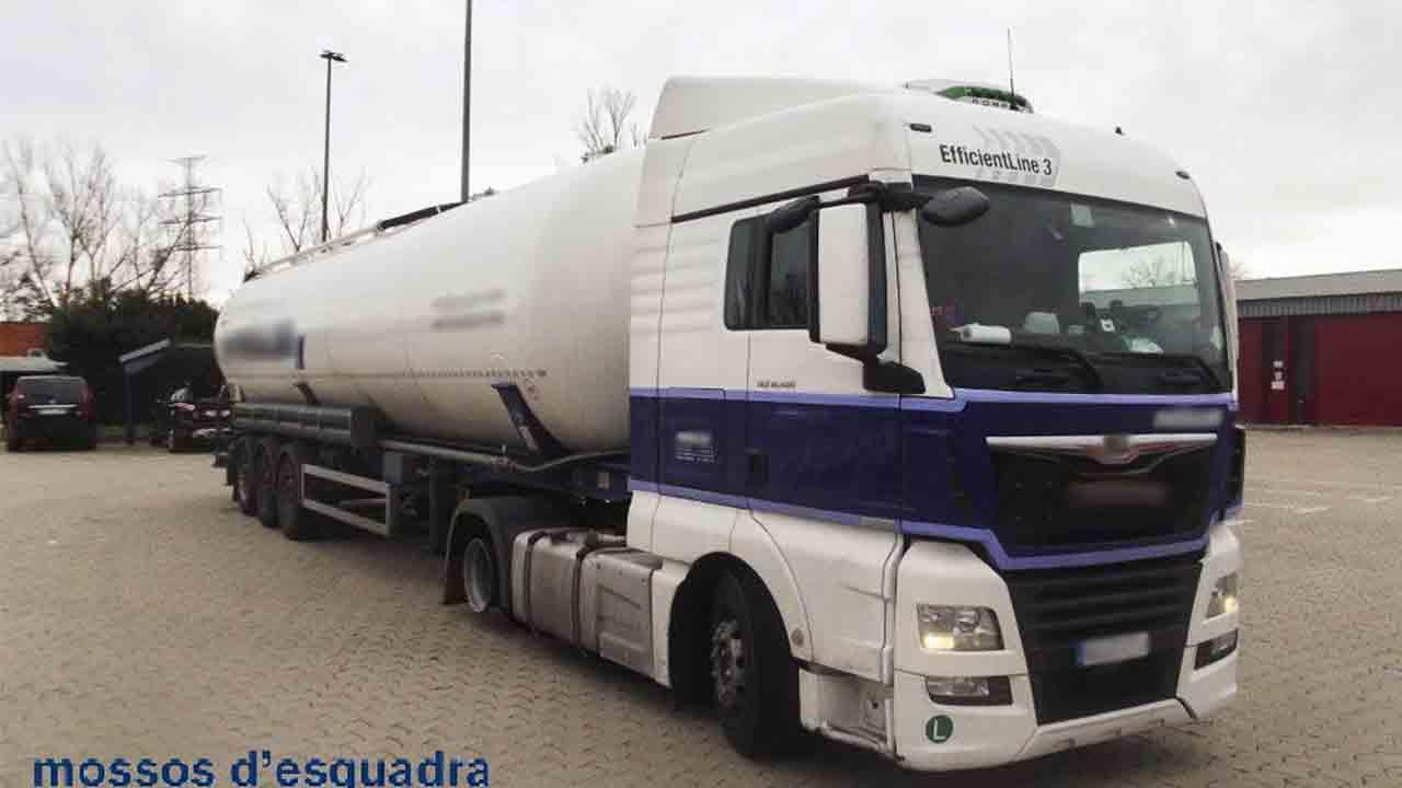 Detenido un camionero por circular en sentido contrario y dar positivo en alcohol
