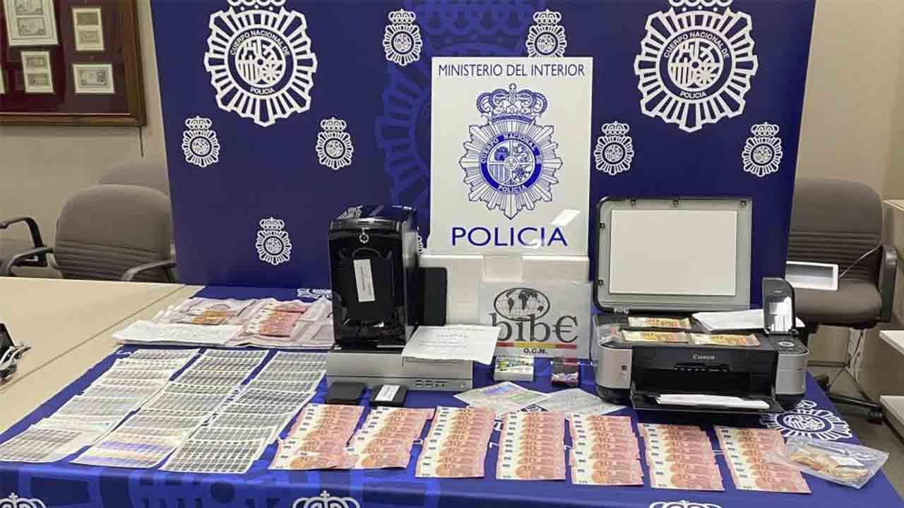 Detenido un menor en Barcelona por la fabricación de billetes falsos