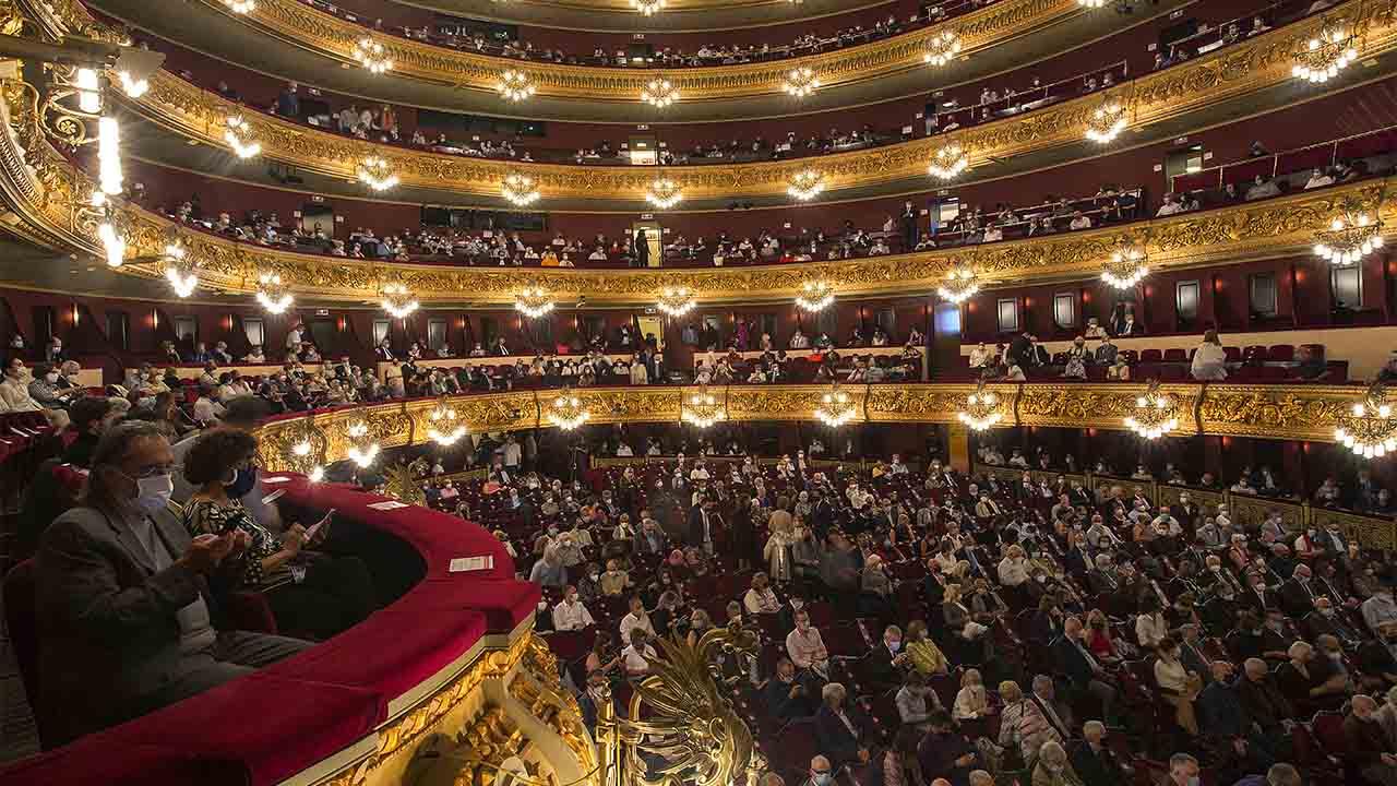 El Liceo reanudará este lunes las funciones de 'La traviata'