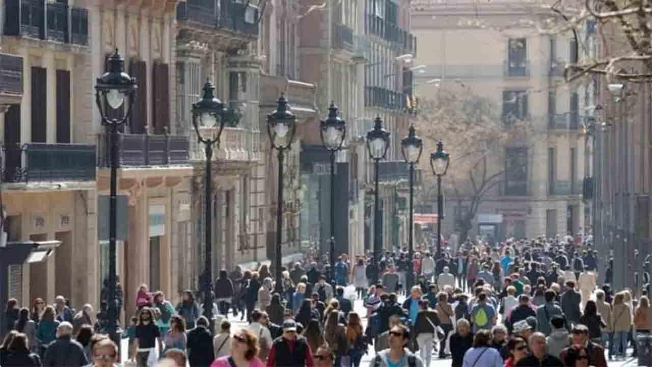 La Guàrdia Urbana regulará los flujos peatonales de la zona comercial del centro de la ciudad