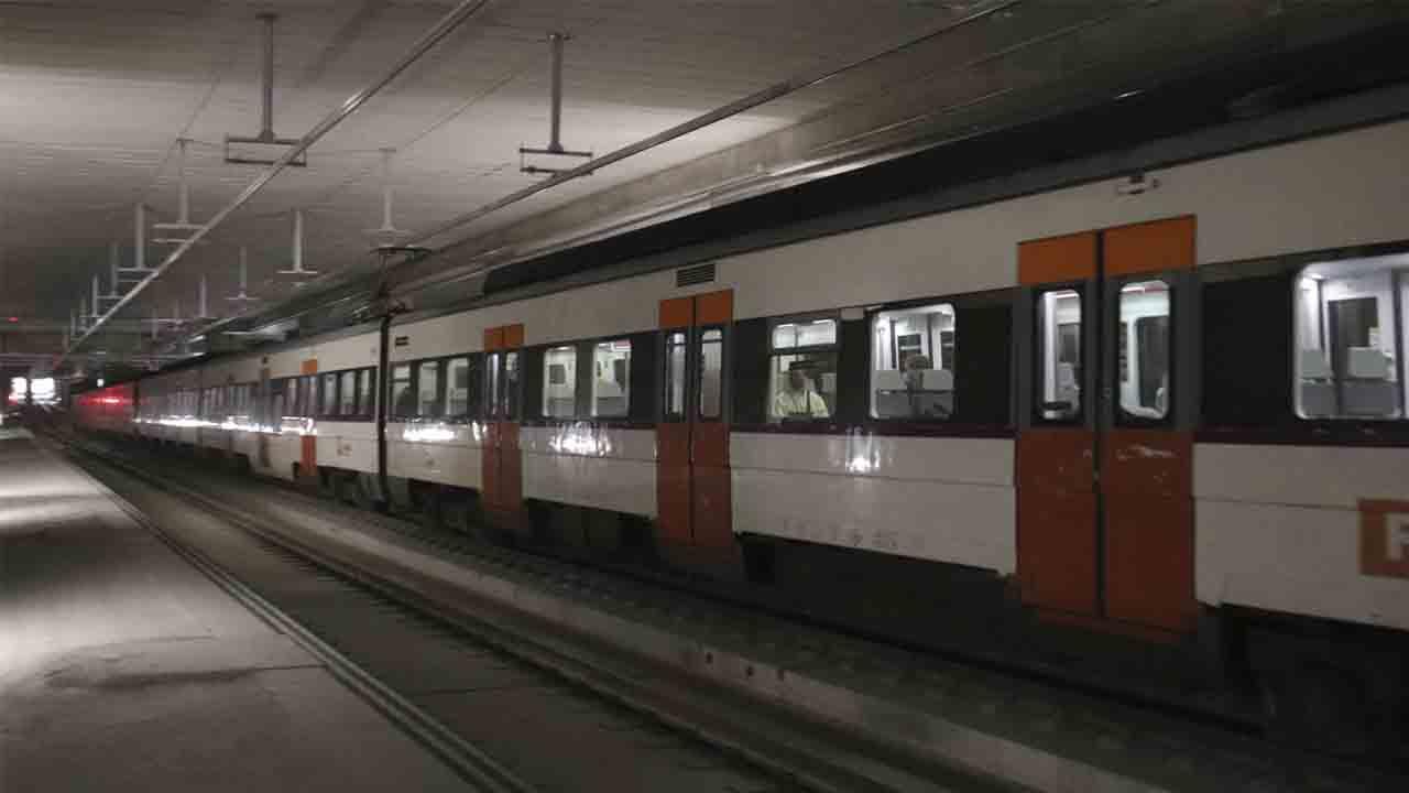 La futura estación de la Sagrera recibe el primer tren con pasajeros