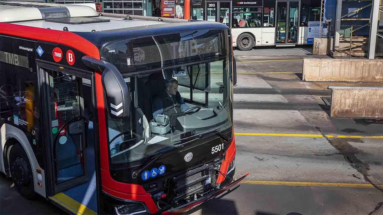 La renovación de la flota de bus en Barcelona se hará a partir de ahora con vehículos limpios