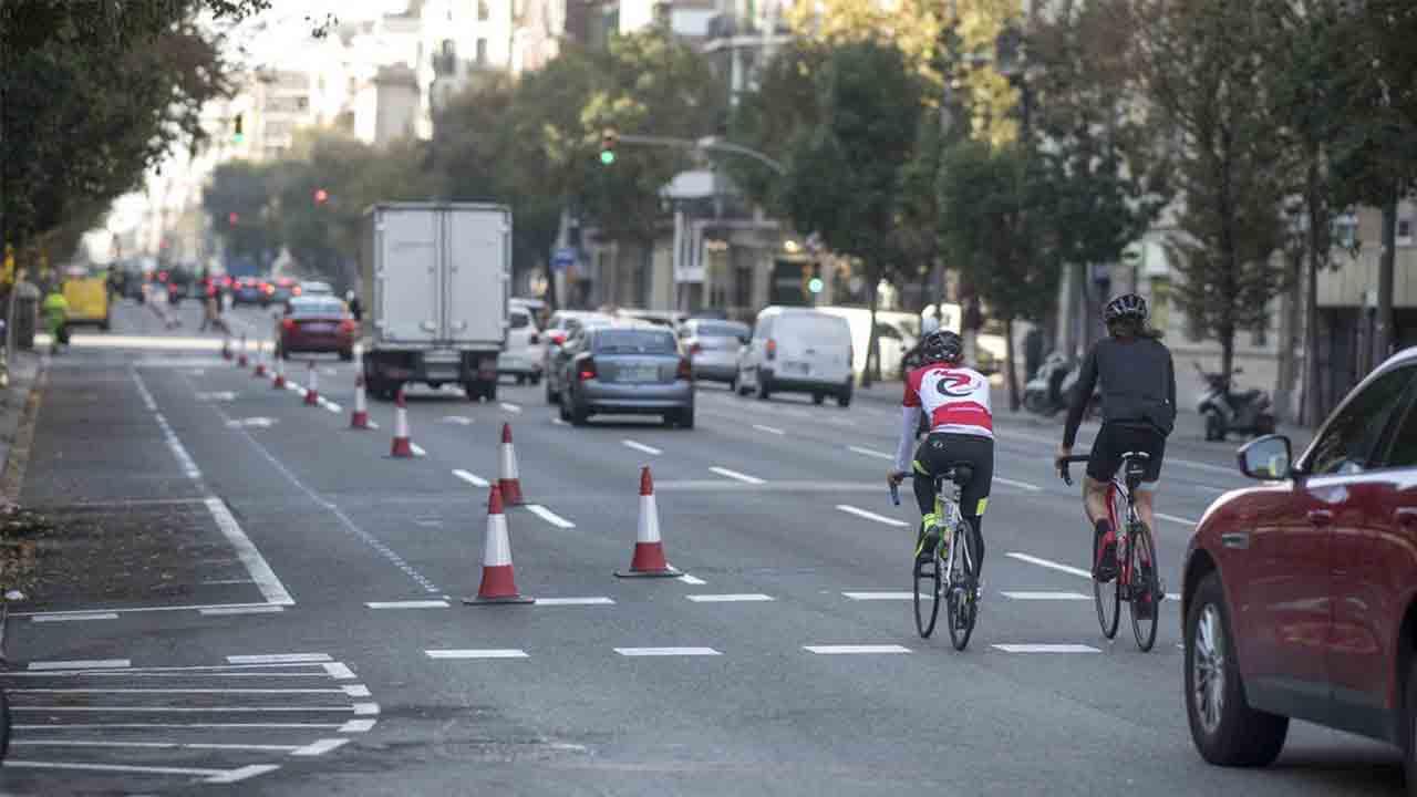 Puesta en servicio del nuevo carril bici de la calle Aragón