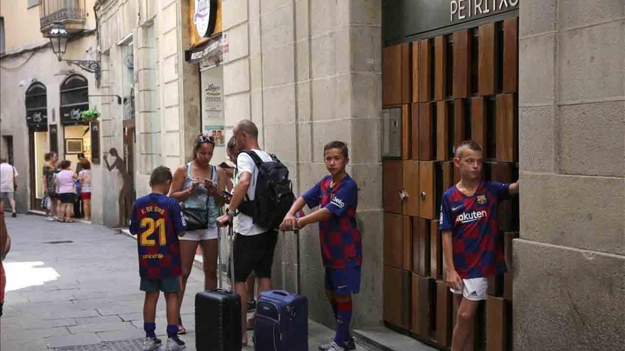 Barcelona aprueba el plan que regula los alojamientos turísticos