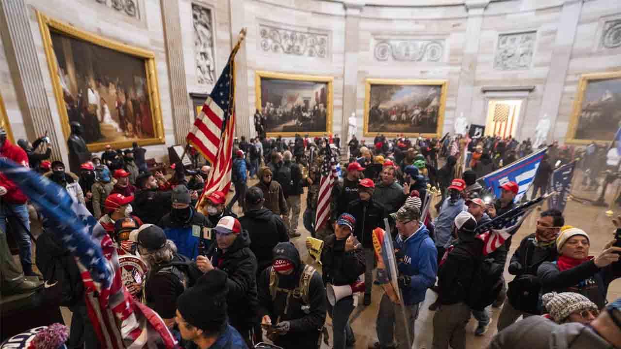 Cuatro muertos en el asalto al Capitolio de Estados Unidos