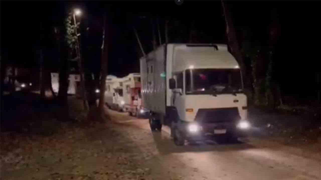 Desalojan 11 caravanas en Dosrius que volvían de la 'rave' de Llinars del Vallès