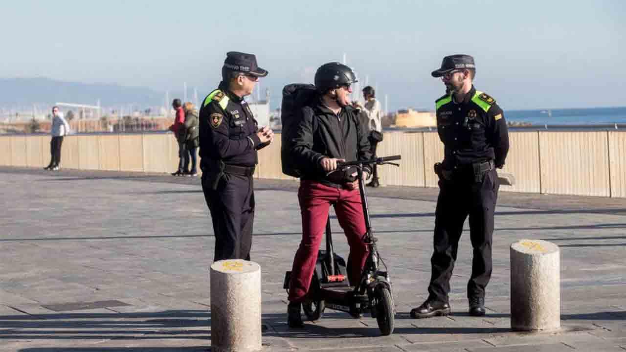 Entra en vigor la normativa que prohíbe a los patinetes circular por zonas peatonales