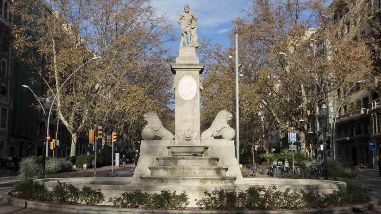 Finaliza la restauración de la Fuente de Hércules, la más antigua de Barcelona