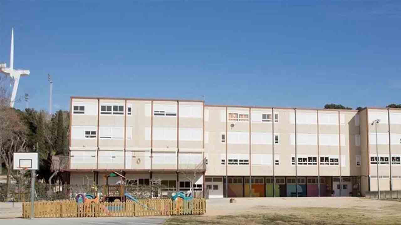 La Escuela Can Clos se mantendrá abierta y se reforzará su proyecto y equipamiento