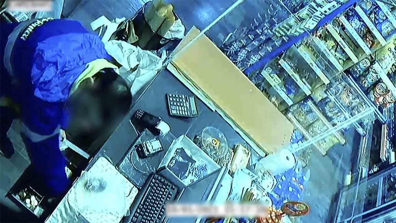 Prisión el autor de dos robos en establecimientos de Hospitalet de Llobregat