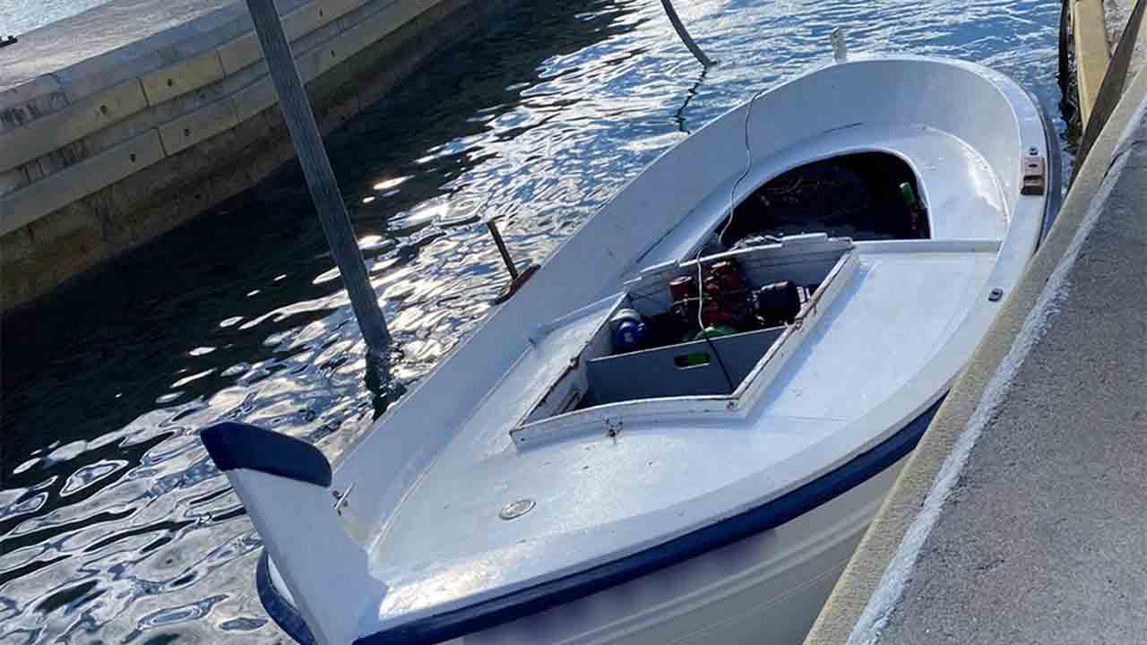 Rescatan a 5 tripulantes de una embarcación en Palafrugell que había volcado