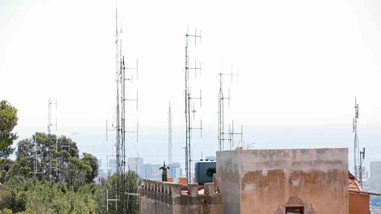 Retirada de antenas ilegales del Turó de la Rovira