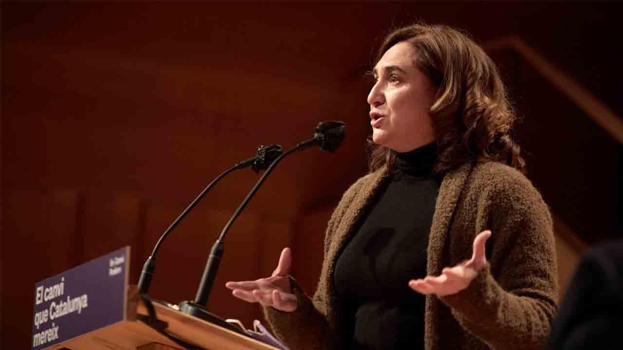 Ada Colau: 'Las protestas no justifican destrozar mobiliario o atacar a medios'