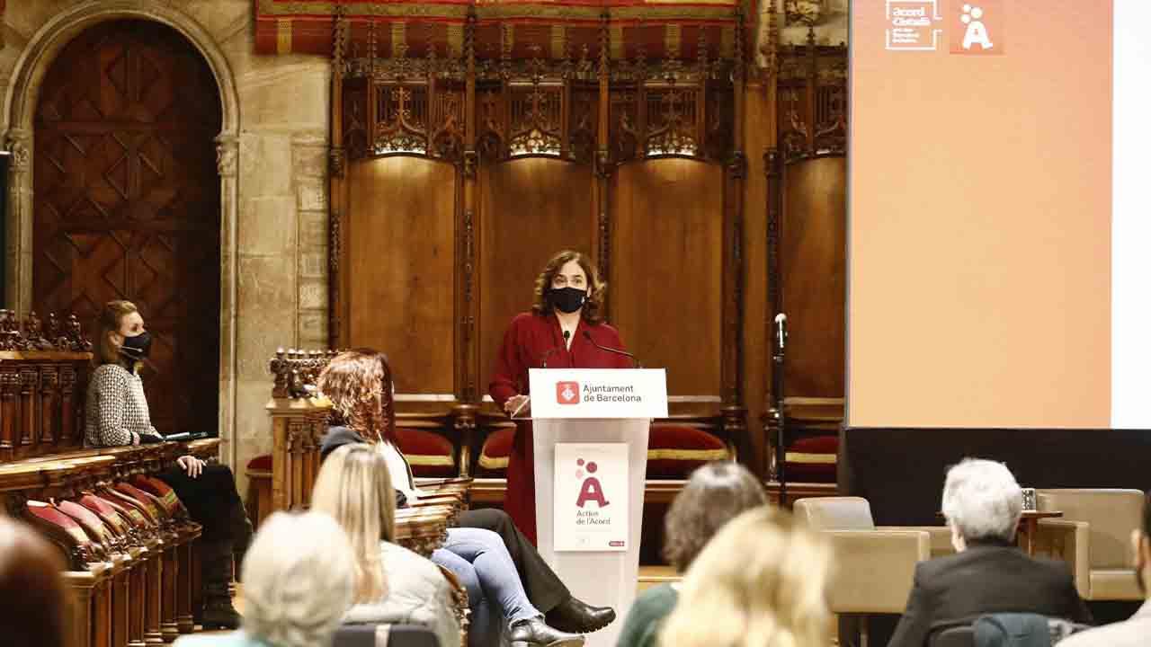 Ada Colau destaca la importancia de la innovación social y agradece el compromiso social y comunitario de la ciudadanía de Barcelona
